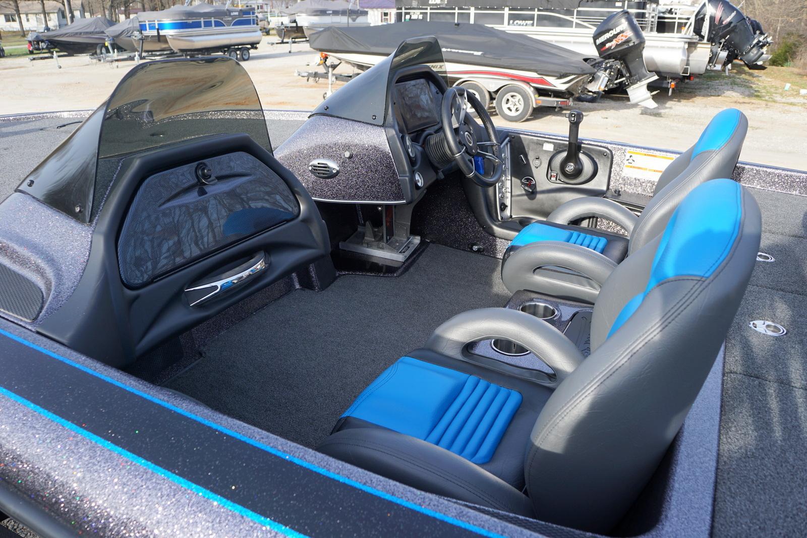 BLAZER 595 PRO-ELITE W/ 200HP MERCURY PRO-XS